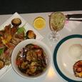 スペアリブ、グリルサラダ+マッシュルームエッグ